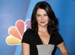 Lauren Graham Hasn't Watched 'Gilmore Girls' Revival And She May Never