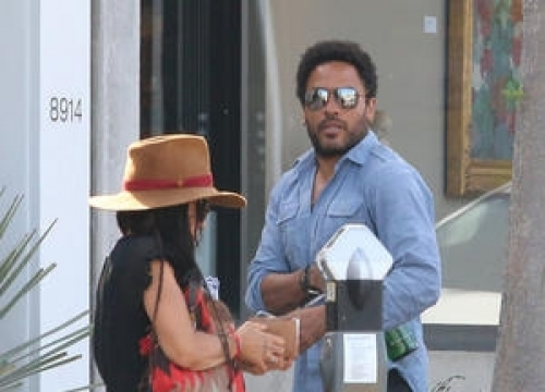 Lenny Kravitz's Daughter Has Swiped Many Of His Most Famous Outfits