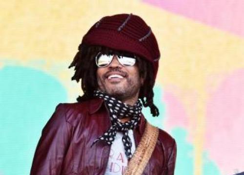 Lenny Kravitz Won't Smoke On Tour