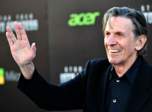 Leonard Nimoy Remembered In Chuck Lorre's 'Big Bang Theory' Dedication