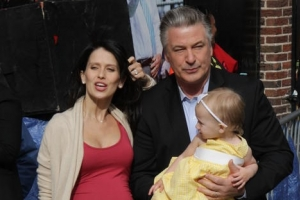 Alec Baldwin Brings Pregnant Wife And Daughter To Last Ever 'Letterman' - Part 2