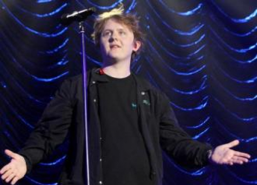 Lewis Capaldi Plans To Move Out Now His Parents Are Asking For Rent