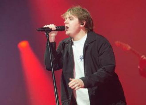 Lewis Capaldi Set To Record New Album This Month