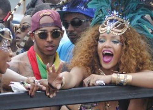 Lewis Hamilton To Take Rihanna On Cruise