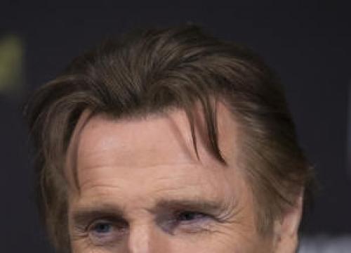 Liam Neeson Backs George Clooney's Anti-surgery Stance