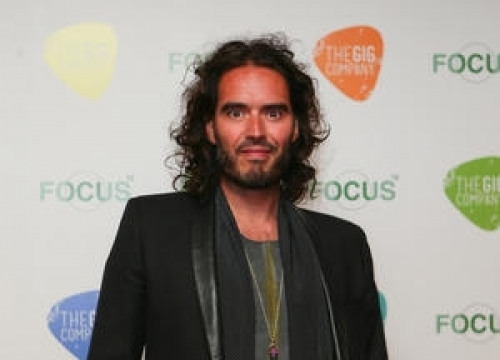 Phone Thief Targets Russell Brand In India