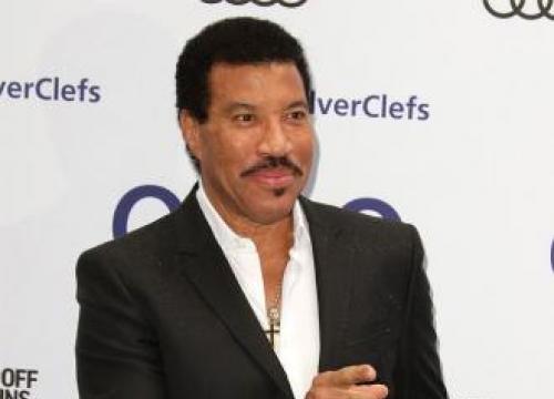 Lionel Richie Postpones Mariah Carey Tour