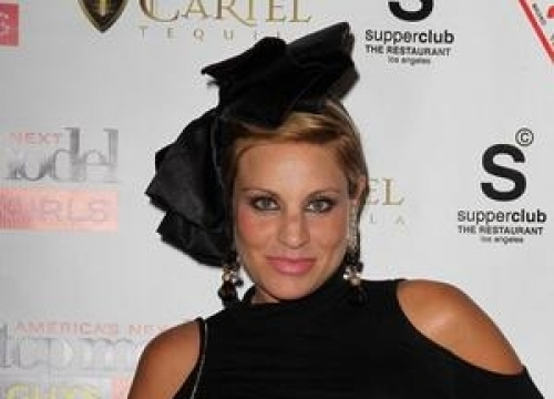 Model Lisa D'amato Gives Birth To Second Child Live On Facebook