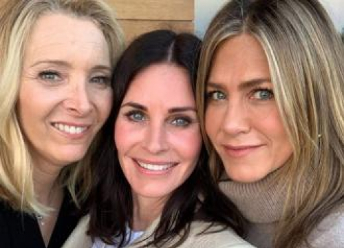 Courteney Cox Has Friends Reunion For 55th Birthday
