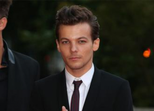 Louis Tomlinson's Send Off To His Mother