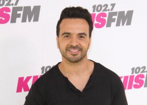 Luis Fonsi Sending 'Positive Vibes' To Demi Lovato