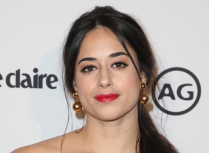 Jeanine Mason To Lead Upcoming 'Roswell' Reboot