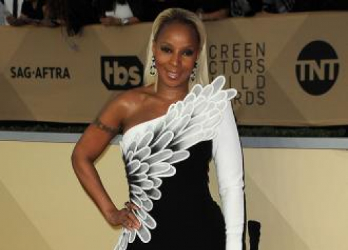 Mary J Blige Is Strong