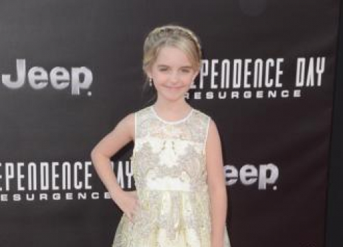 Mckenna Grace And Iain Armitage Join Scoob