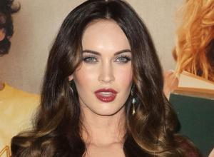 "Megan Fox and Brian Austin ""Walked Away"" Unhurt After Car Crash"