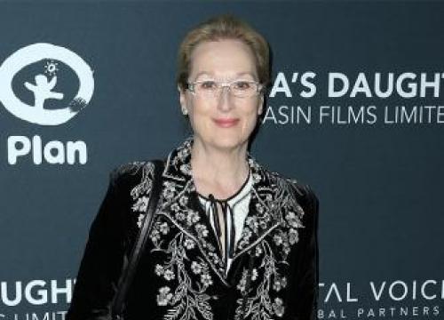 Meryl Streep's Stylist Denies Karl Lagerfeld's Dress Claim