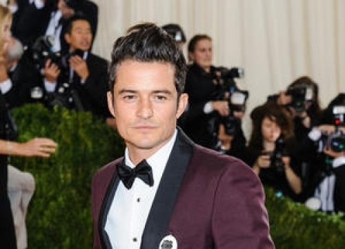 Orlando Bloom Cares For Abandoned Dog In China