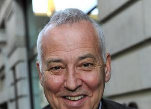 Michael Barrymore Sues Police Over Arrest