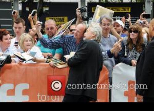 Michael Douglas And Matt Damon Back Pardon Petition