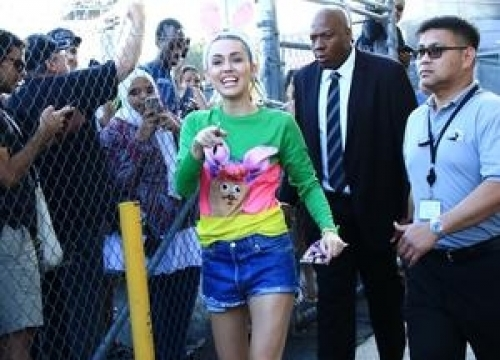Miley Cyrus Attacks Nicki Minaj Over Mtv Video Music Awards Gripe