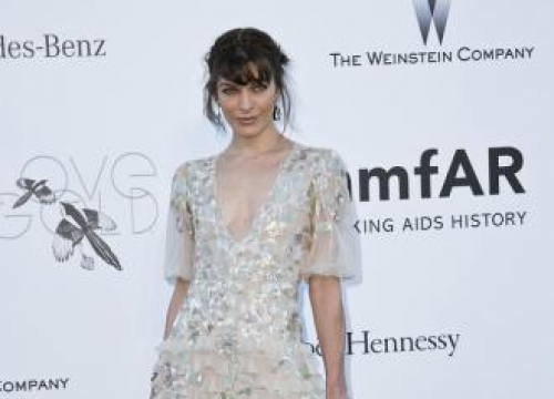 Milla Jovovich Hungry For British Bakery Greggs