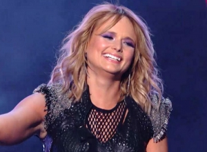 Miranda Lambert - Little Red Wagon (Live GRAMMYs 2015) Video