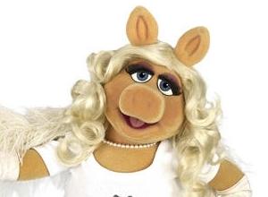 Miss Piggy Presented With Feminist Award By Gloria Steinem