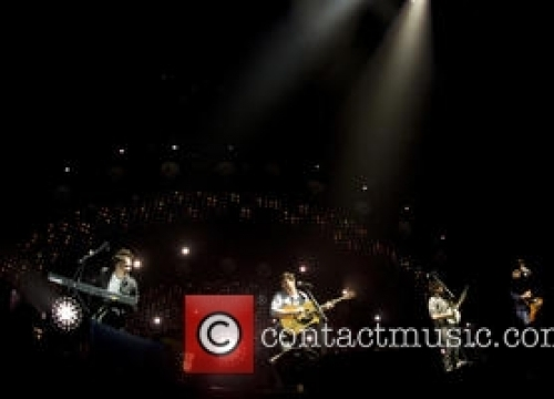 Mumford & Sons Surprise Festival-goers With The Vaccines Duet