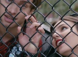 Naomi & Ely's No Kiss List Trailer