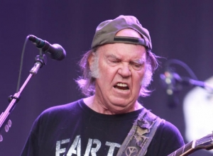 Neil Young Is Alright With Donald Trump Using His Music, But He Still Backs Bernie Sanders