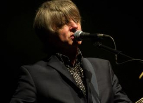 Neil Finn Taps Fleetwood Mac Bandmates For Charity Single