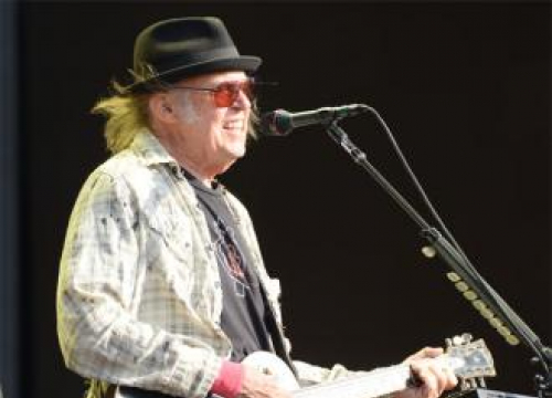 Neil Young Teases 'Old Arenas' Crazy Horse Tour