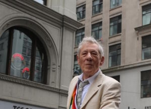Taylor Swift Threw Sir Ian Mckellen Out Of Apartment