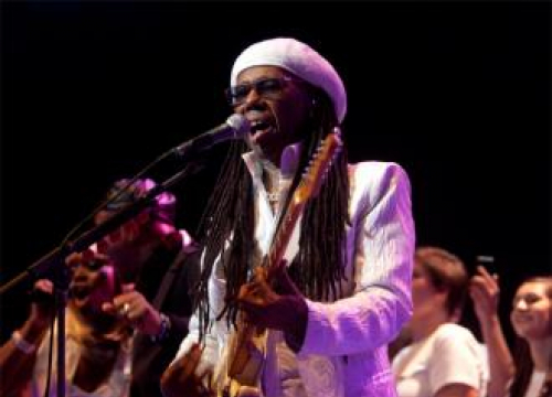 Nile Rodgers Tells Glastonbury Crowd He's Still Cancer-free
