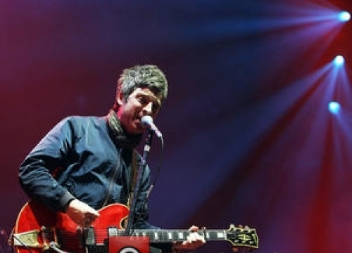 Noel Gallagher Rules Britain's Vinyl Charts