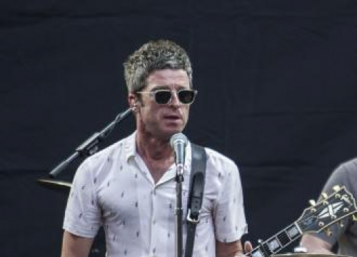 Noel Gallagher Selling Old Oasis Equipment