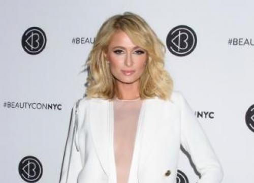 Paris Hilton Delays Her Wedding