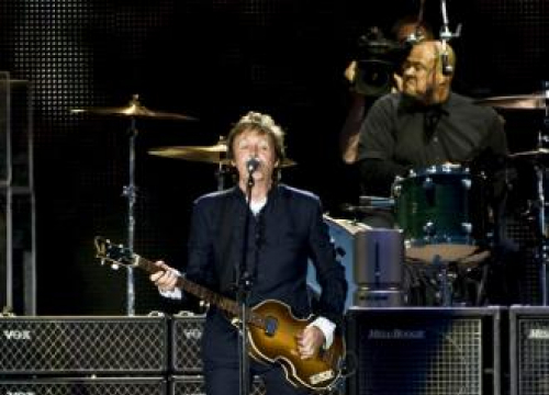 Paul Mccartney And David Bowie's Isle Of Wight Sets To Air On Absolute Radio