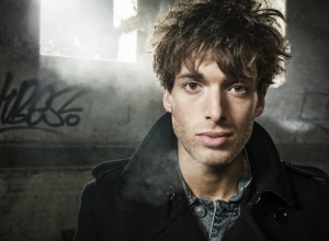 Paolo Nutini Makes One-Off Appearances In Manchester And Cornwall