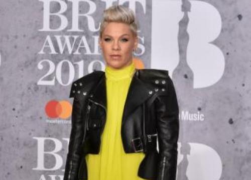 Pink's Kids Make Her Tin Foil Awards
