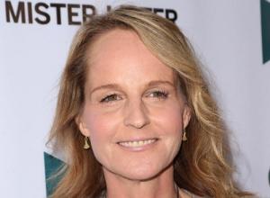 Helen Hunt Gets Mistaken For Jodie Foster By Starbucks Barista