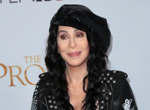 Cher Would Rather Eat Cow Tongue Than Compliment Donald Trump