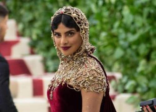 Priyanka Chopra Urges Bollywood To Focus On Itself