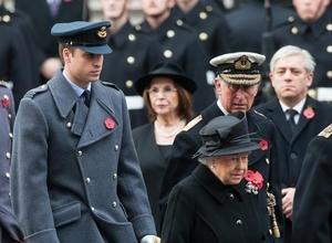 Queen Set To View Kristin Scott Thomas Play