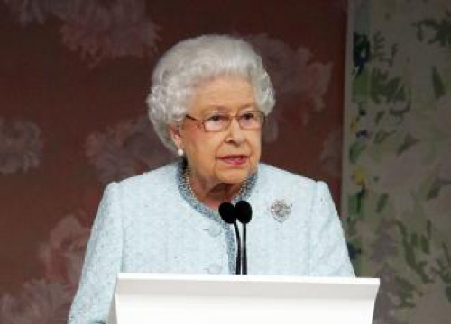 Queen Elizabeth Promises Better Days Will Return As She Addresses UK And Commonwealth