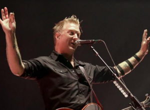 Photographer Left Bruised After Being Kicked By Josh Homme Of Queens Of The Stone Age