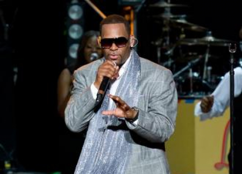 R. Kelly's Sexual Assault Accuser Asks For Default Judgement In Court Case