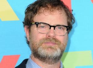 Rainn Wilson Plays Alcohol Detective on FOX's 'Backstrom'