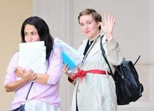 Lena Dunham Impressed With Japanese Doctor's Uti Treatment