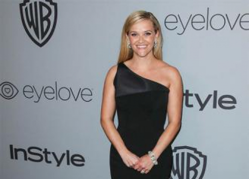 Reese Witherspoon Offers Legally Blonde 3 Update